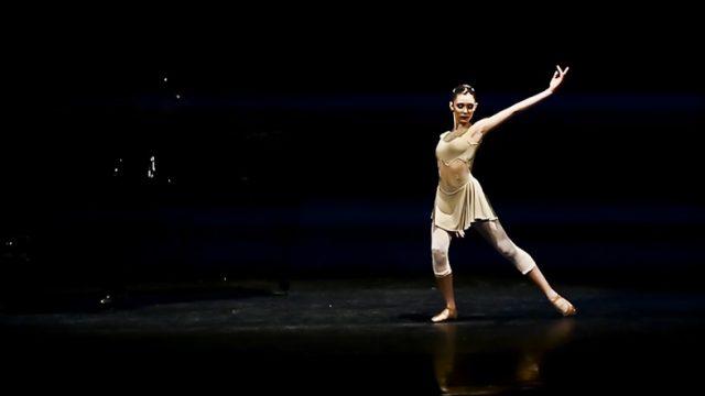 Dream On videoclip screenshot ballet, cover Aerosmith