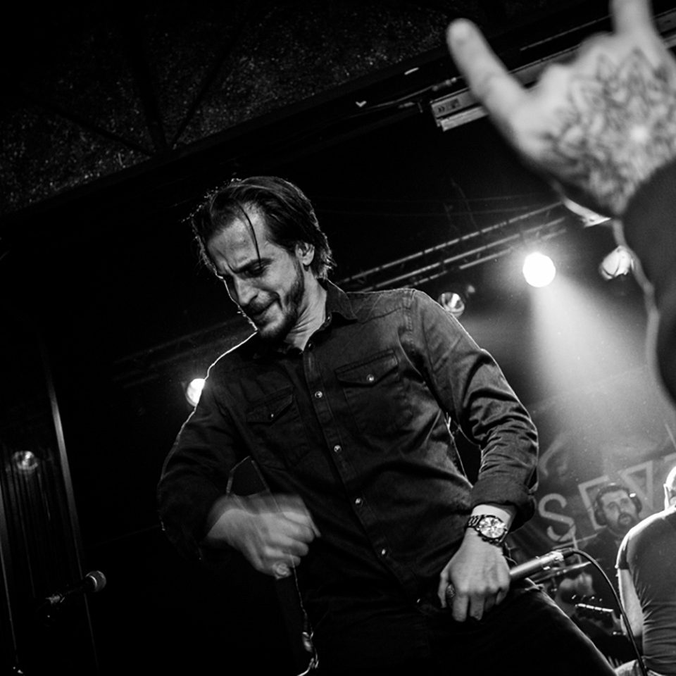 Several Union live picture release party Rising Sun at Vidia Club, Cesena, singer details tattoo hand