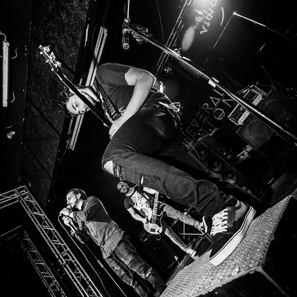 Several Union live picture release party Rising Sun at Vidia Club, Cesena, lead guitar details