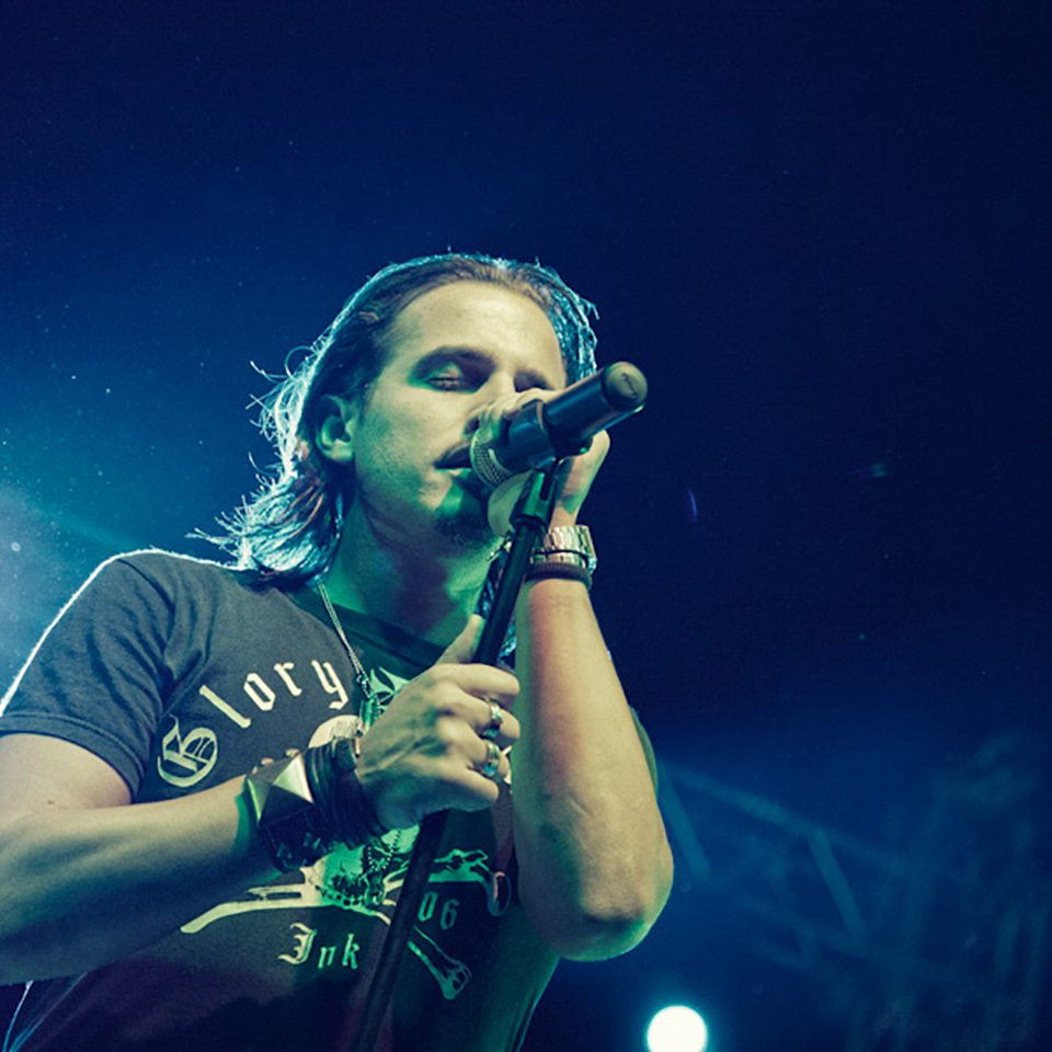 Several Union live picture in Cesena with Architects, singer detail